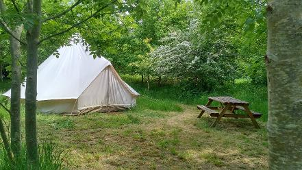 Off-grid last minute glamping getaways at Woodland Escape in Somerset