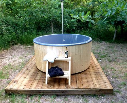 Exclusive hot tub glamping in Somerset