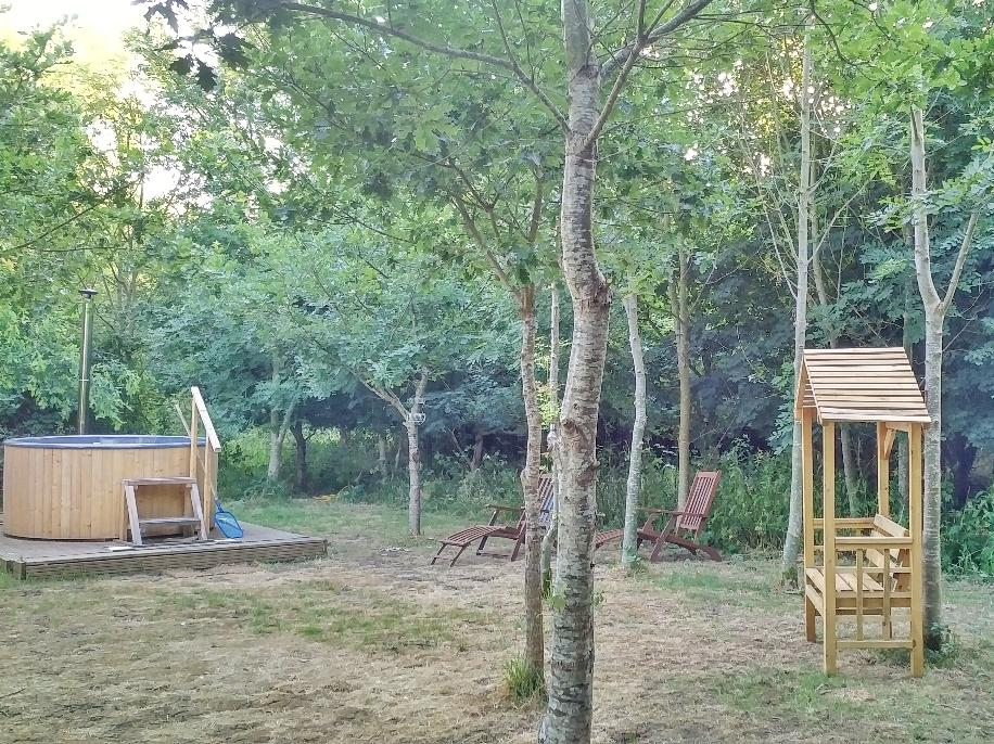 Hot tub glamping in Somerset at Woodland Escape with exclusive area